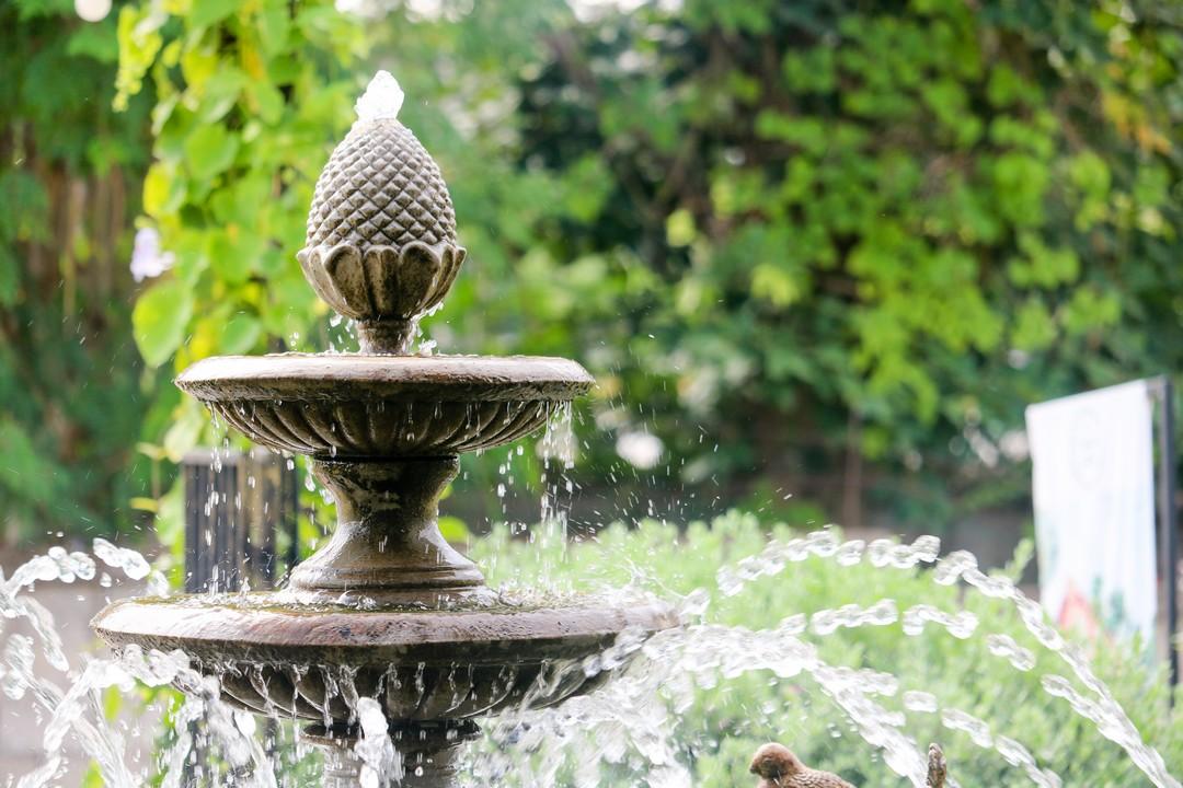 Les bons gestes pour entretenir sa fontaine d 39 ext rieur - Comment creer une fontaine de jardin ...
